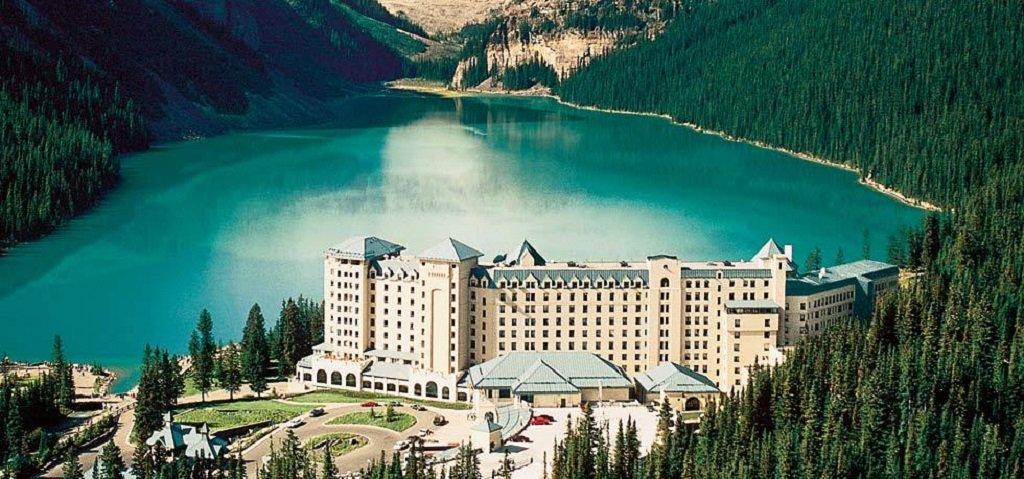 露易絲湖城堡飯店